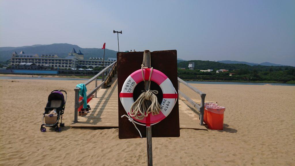如果你手邊沒有衝浪板、獨木舟、SUP等無動力載具,請勿貿然下水