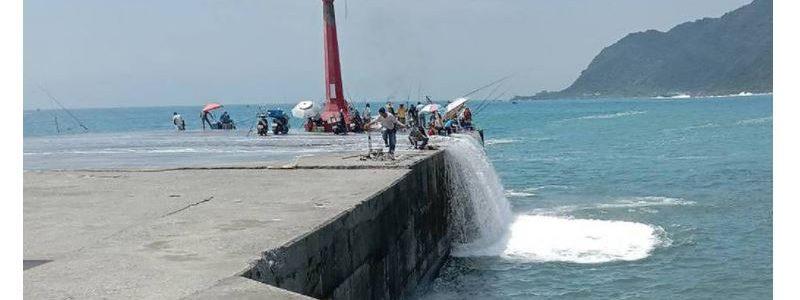瘋狗浪捲釣客:釣魚也要穿救生衣?意外落海的求援策略