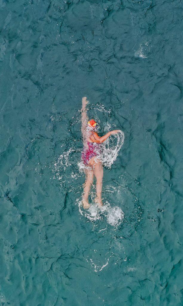 年紀偏大的泳客,可能早已有一些狀況或隱藏的發病風險