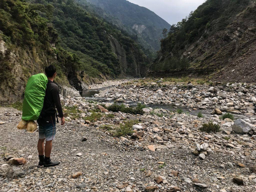 台灣是一座海島國家,山谷溪流眾多,不管夏季或冬季同樣都有野溪遊憩的需求