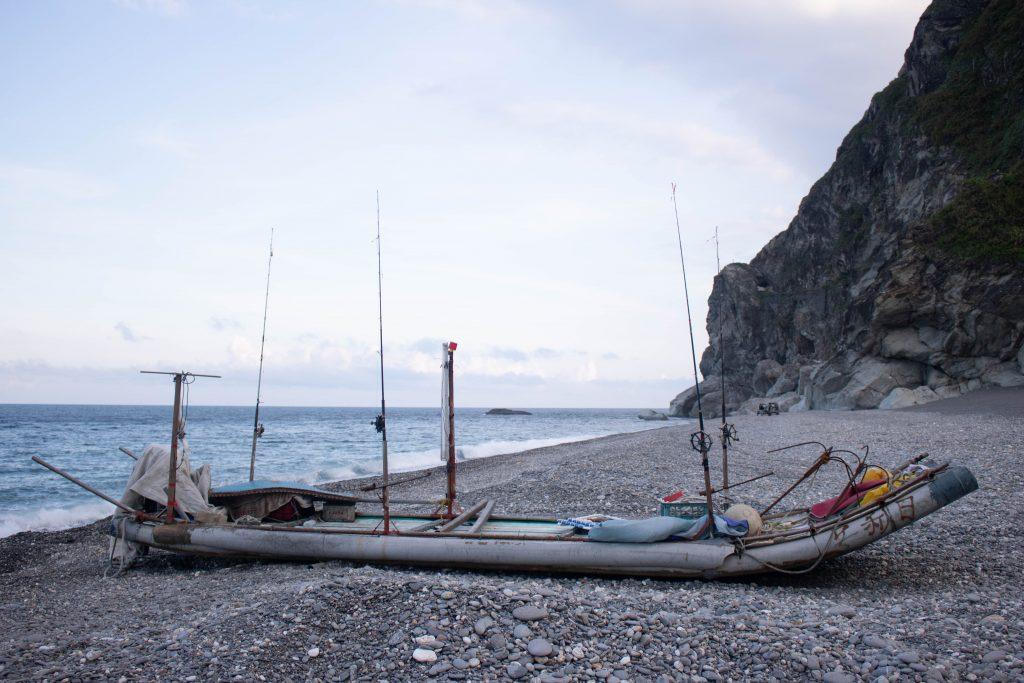 傳統漁業幾乎都是家族生意,過去父執輩如何經營,孩子就跟著照做,而在這當中,有些錯誤且落後的觀念就因此承襲下來
