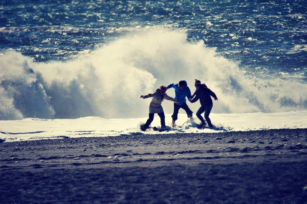 台灣較常溺水的民眾是男性還是女性?哪個年齡層居多?
